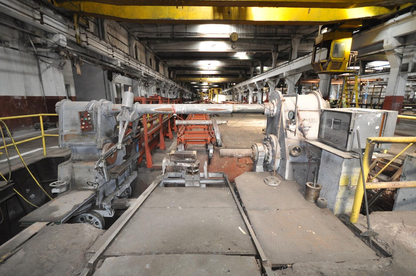HASENCLEVER-Horizontal Hydraulic Wheel Press 300 Ton